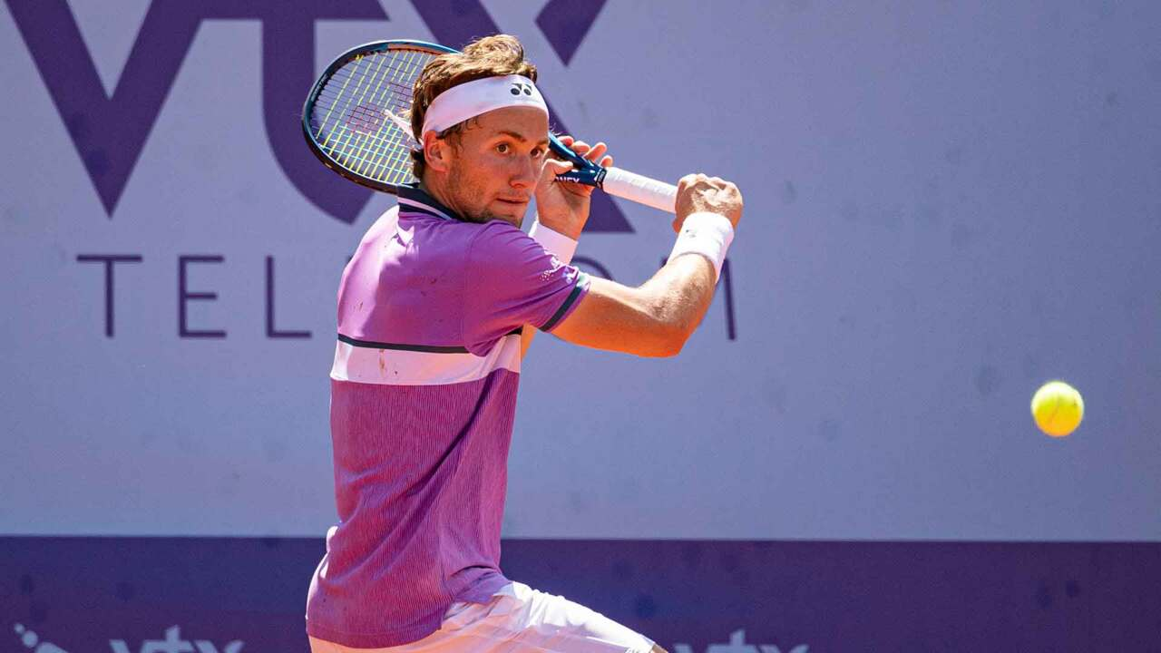 Hot Shot: Ruud Hits Unbelievable Lob In Gstaad