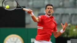 Hot Shot: Djokovic & Sonego Establecen El Ritmo Con Este Genial Primer Punto En Roma