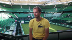 Medvedev: 'Concentration On Grass Is Key'
