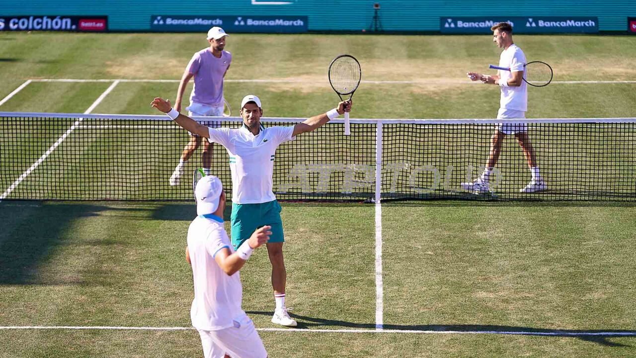 Hot Shot: Djokovic & Gomez-Herrera Win Unreal Point In Mallorca Doubles!