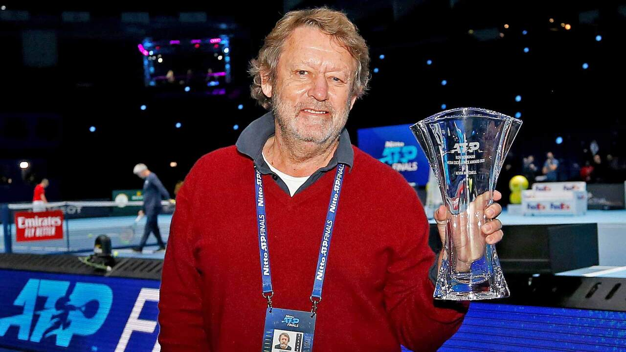 Kevin Mitchell Gana El Premio A La Excelencia En Medios
