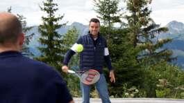 Bautista Agut Y Su Entrenador Visitan Región Montañosa En Gstaad