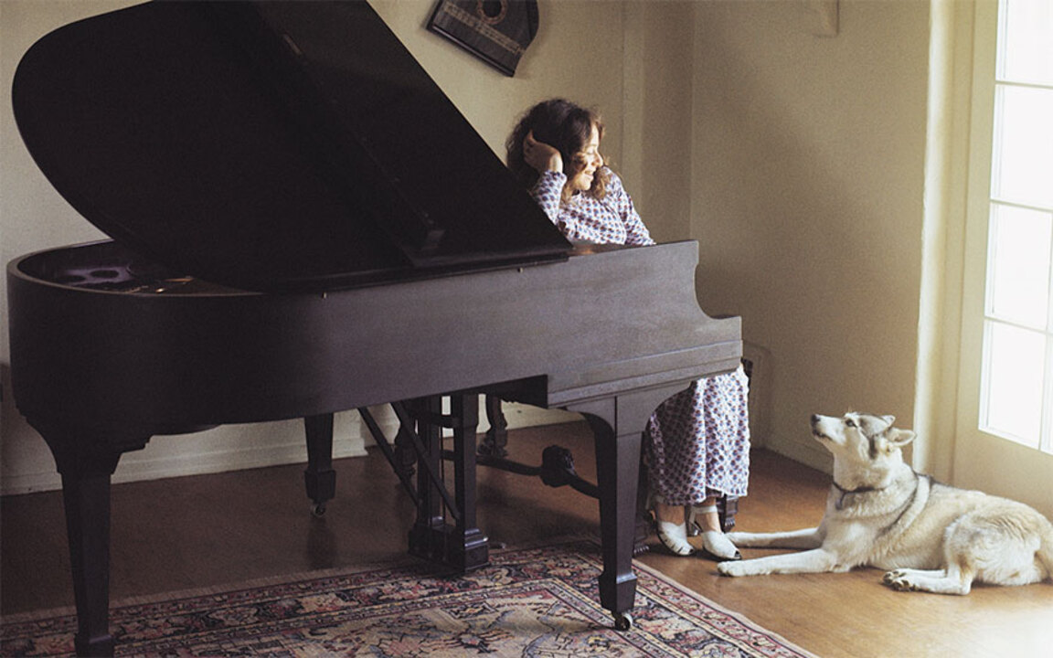 The piano Carole King used to  auction at Christies