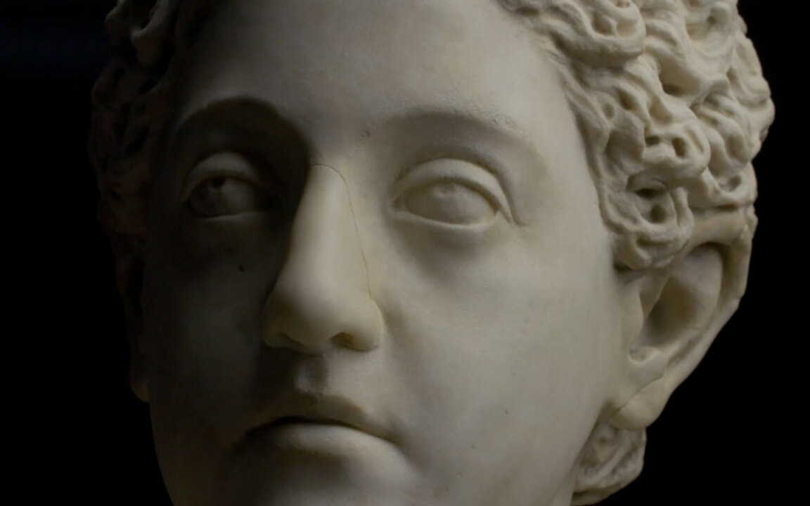 5 minutes with A marble bust o