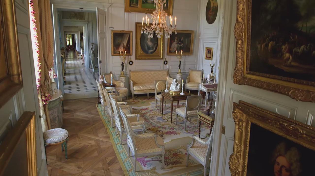 A taste of La Vie de Château:  auction at Christies