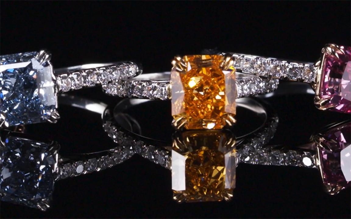 专家指南:有色宝石 auction at Christies