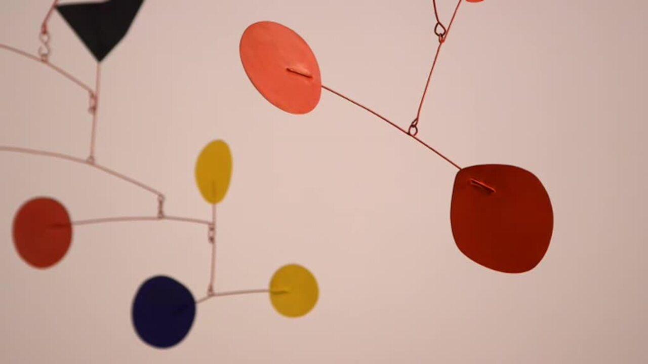360 View: Alexander Calder's B auction at Christies