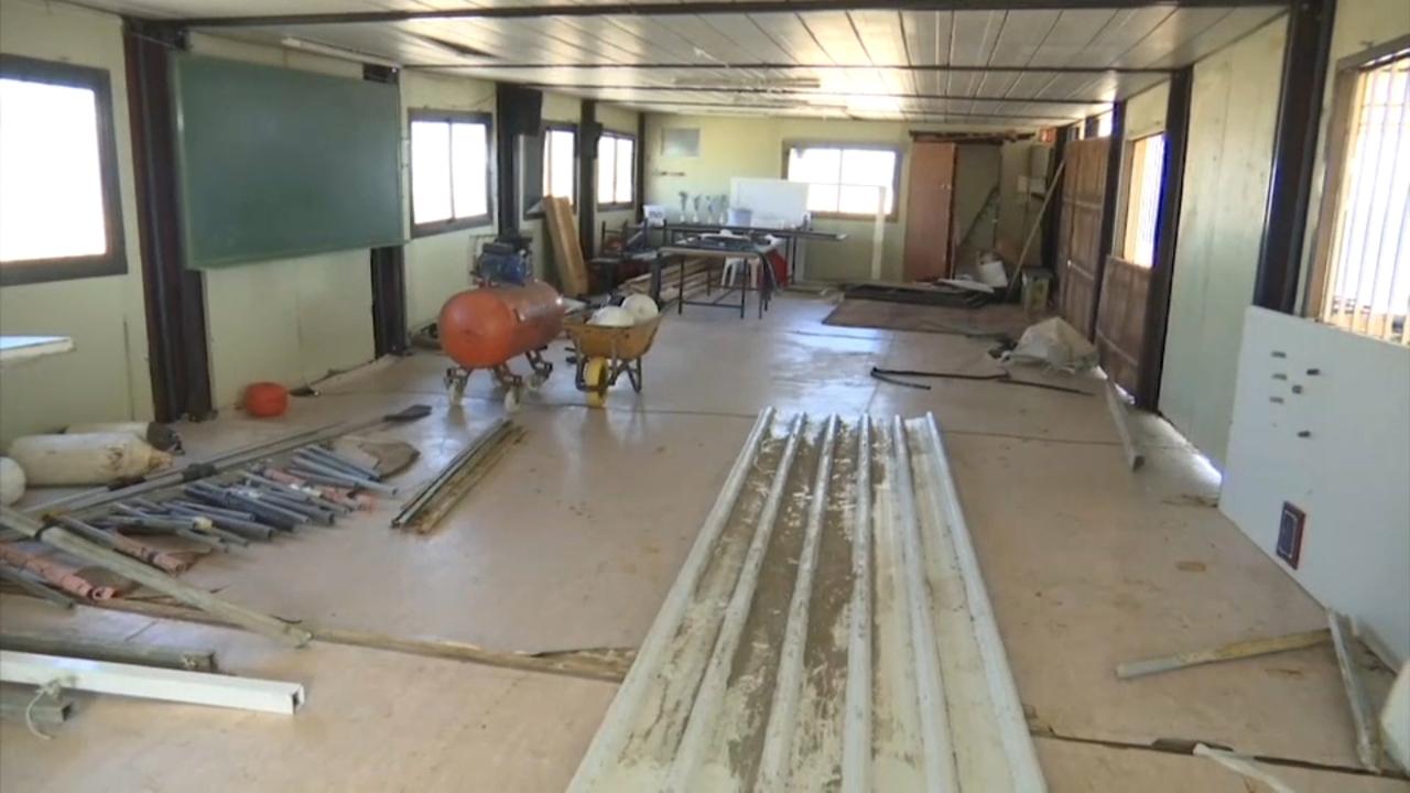 El club de rem de Dénia intenta reconstruir les instal·lacions destruïdes per la borrasca Gloria