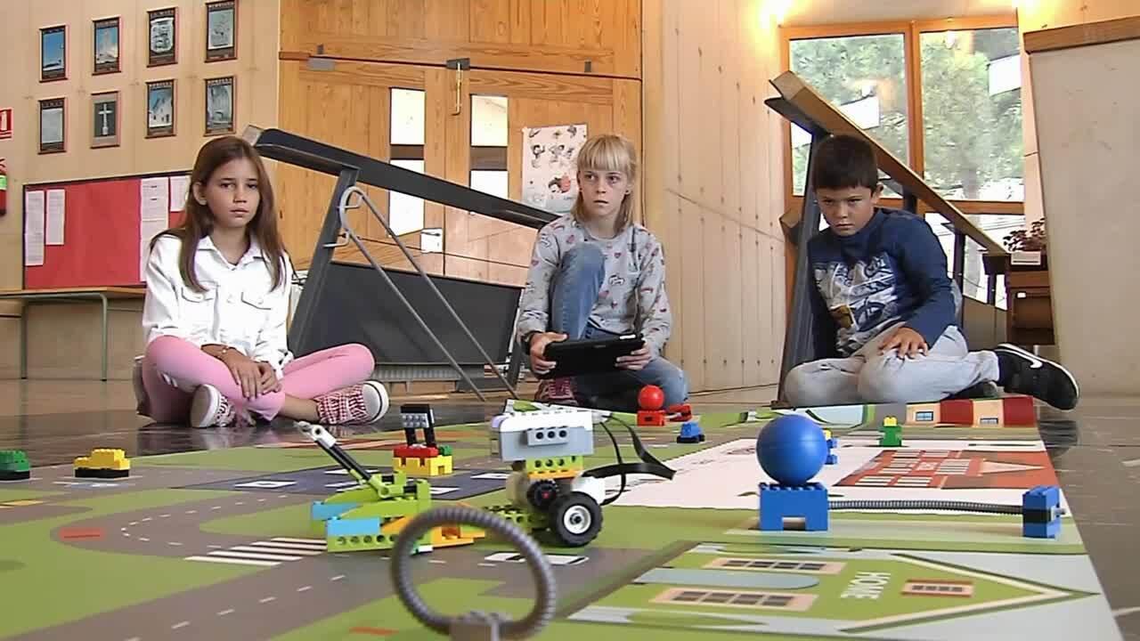Alumnes de Morella fan el seu robot