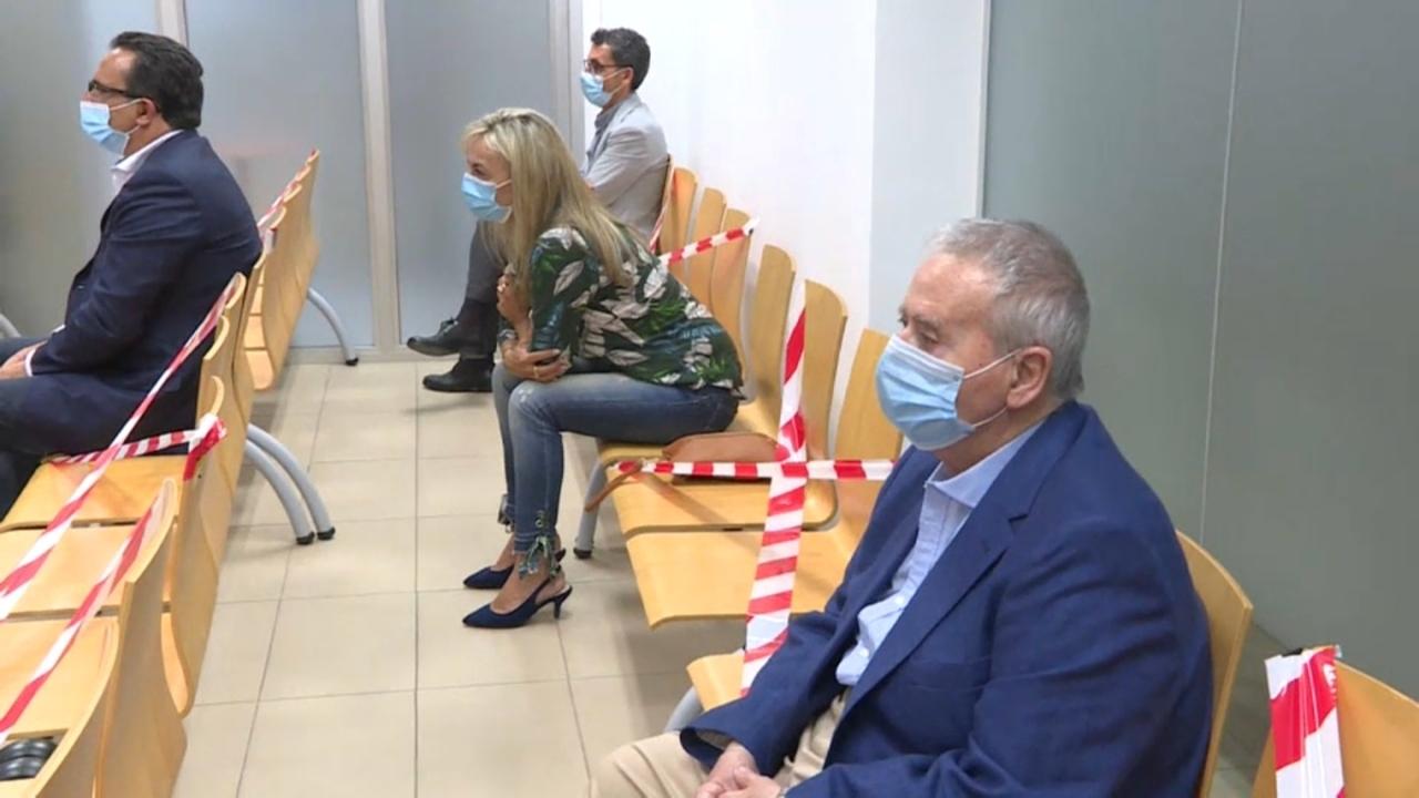 Sonia Castedo i Luis Díaz Alperi, exalcaldes populars d'Alacant