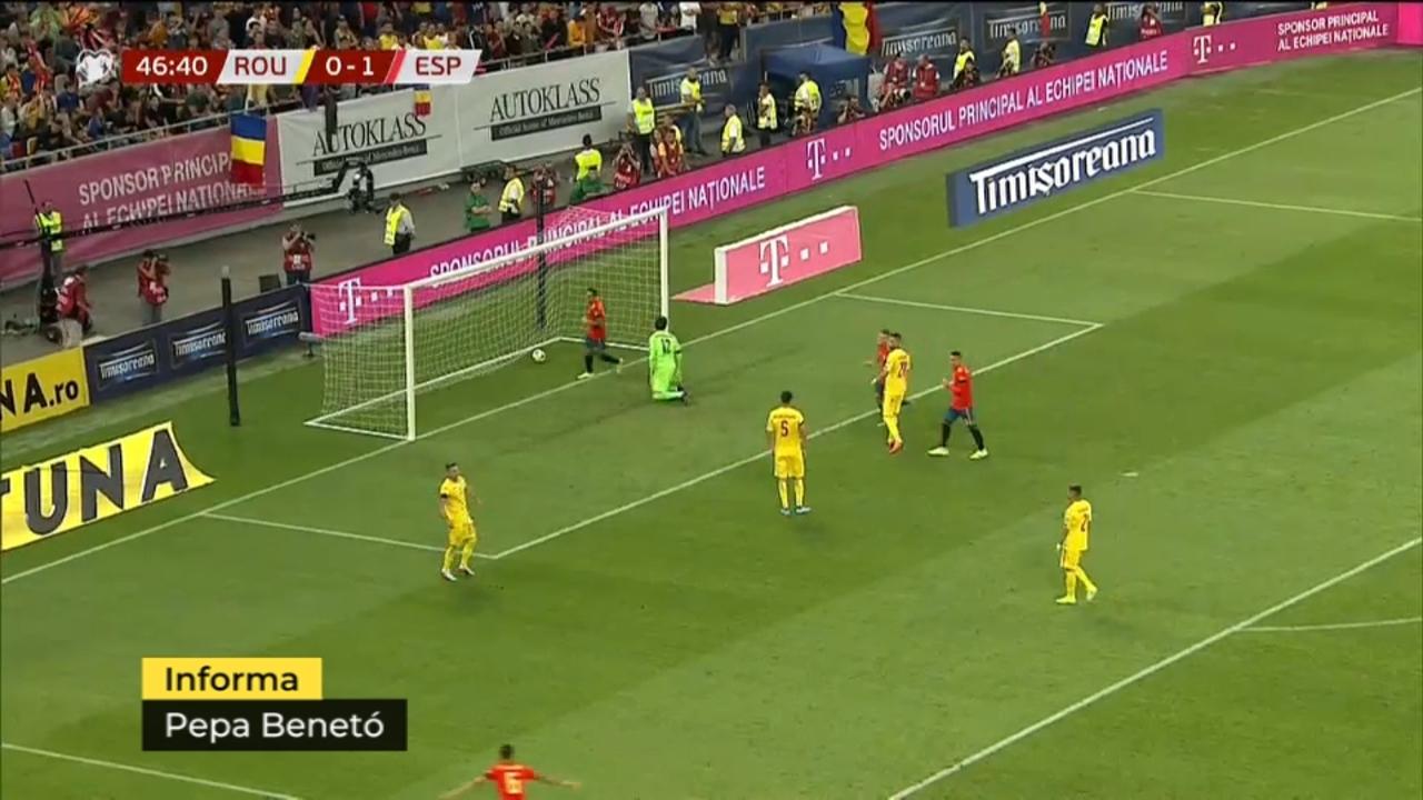 Alcácer celebra un gol amb la selecció espanyola