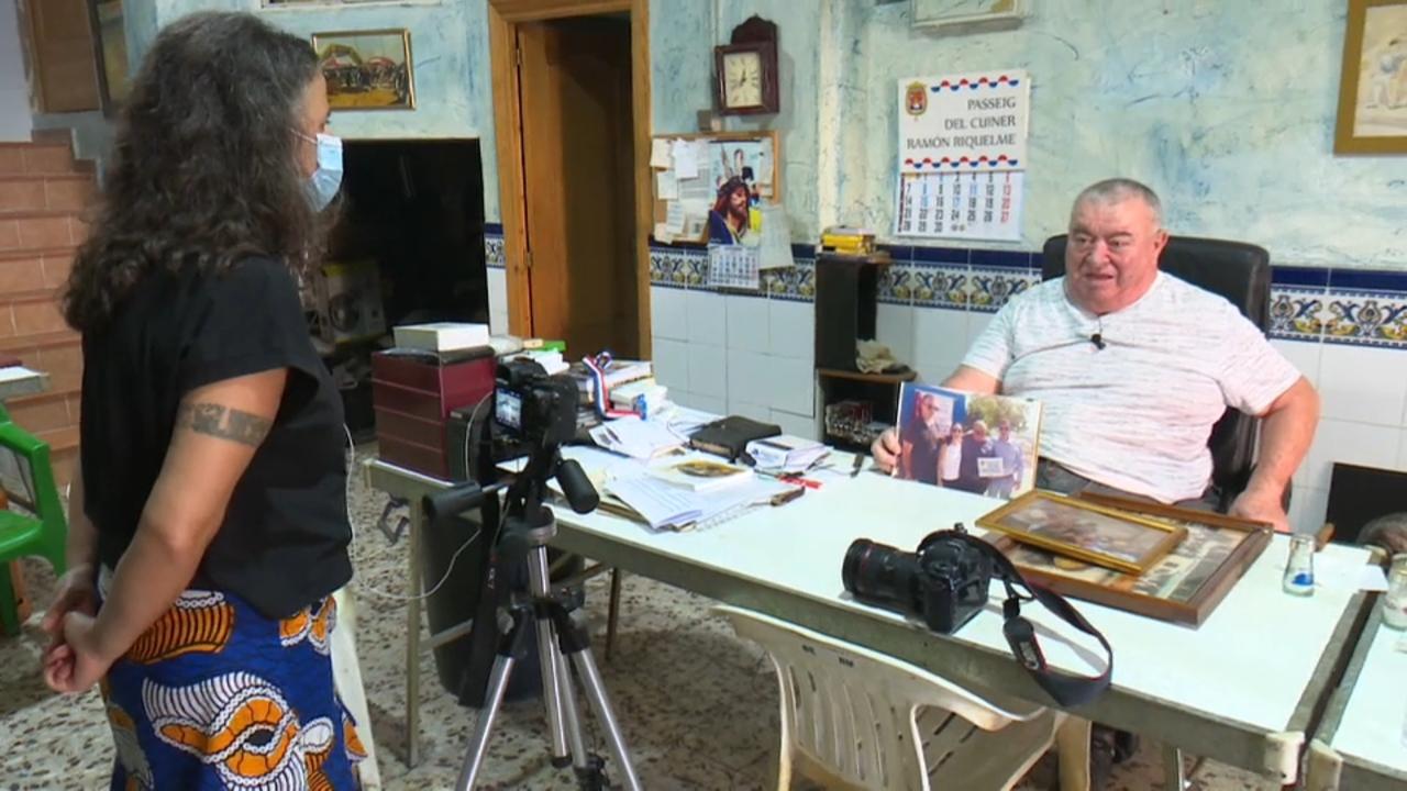 La fotògrafa Eva Máñez entrevista Ramón Riquelme