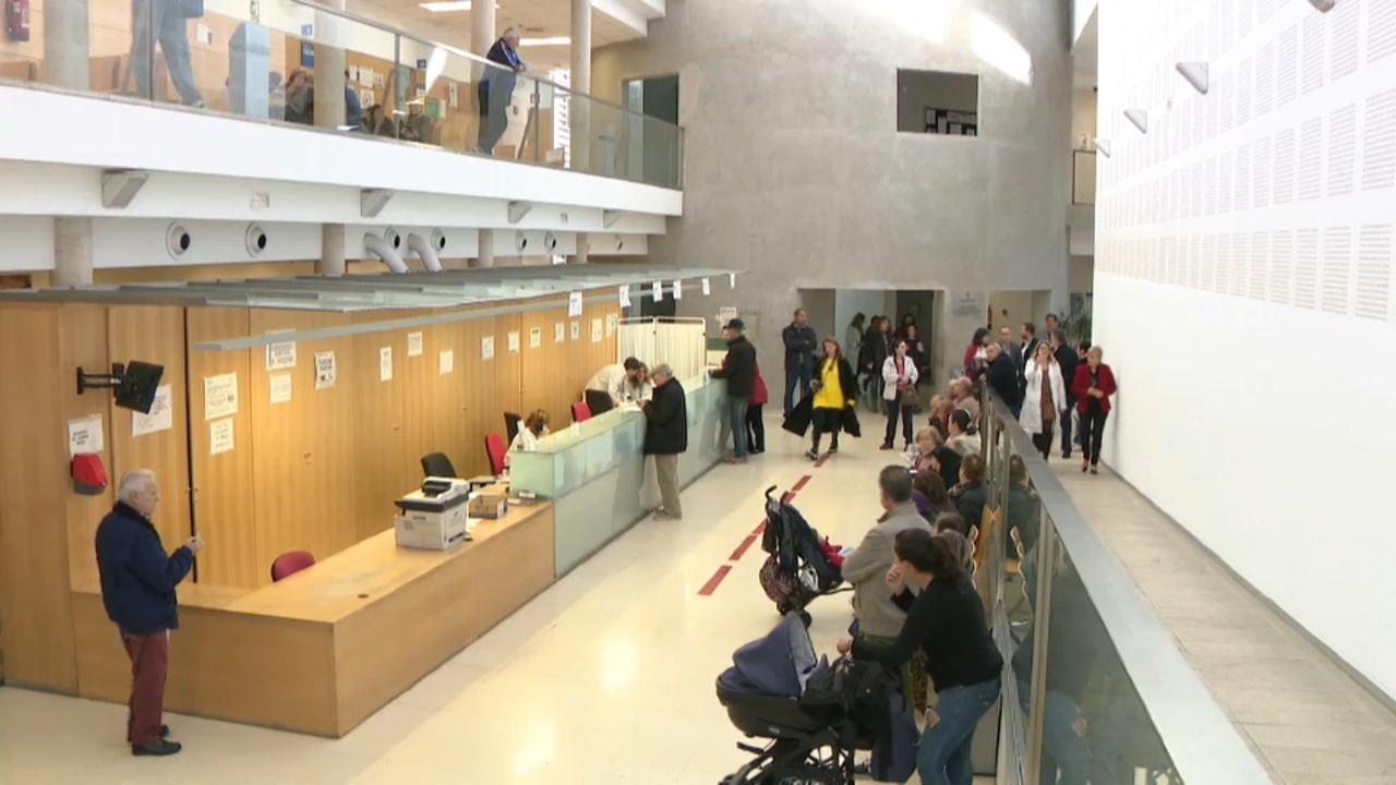 Visita de la consellera Barceló al centre de salut Torrent 2