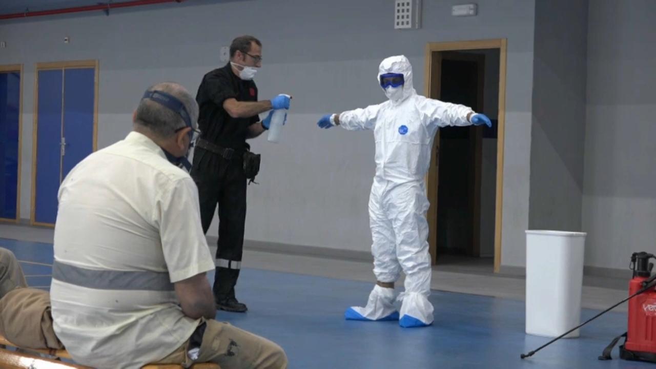 Treballs de desinfecció de l'UME