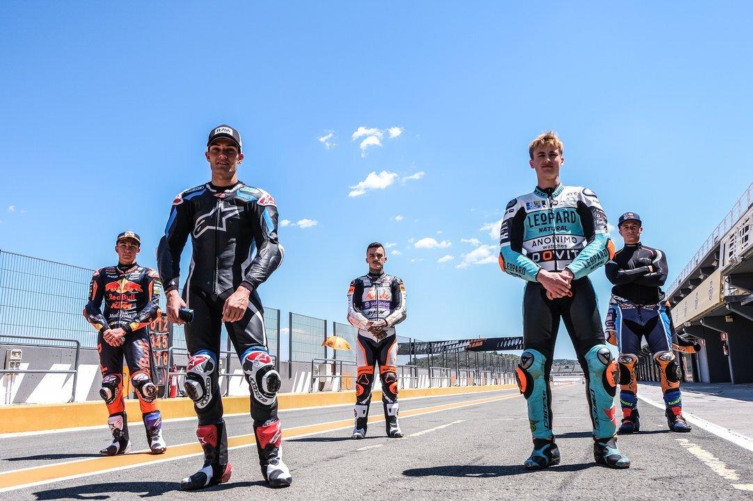 Els pilots valencians de Moto 2 i Moto 3 protagonitzen la posada en marxa de la pista de Xest