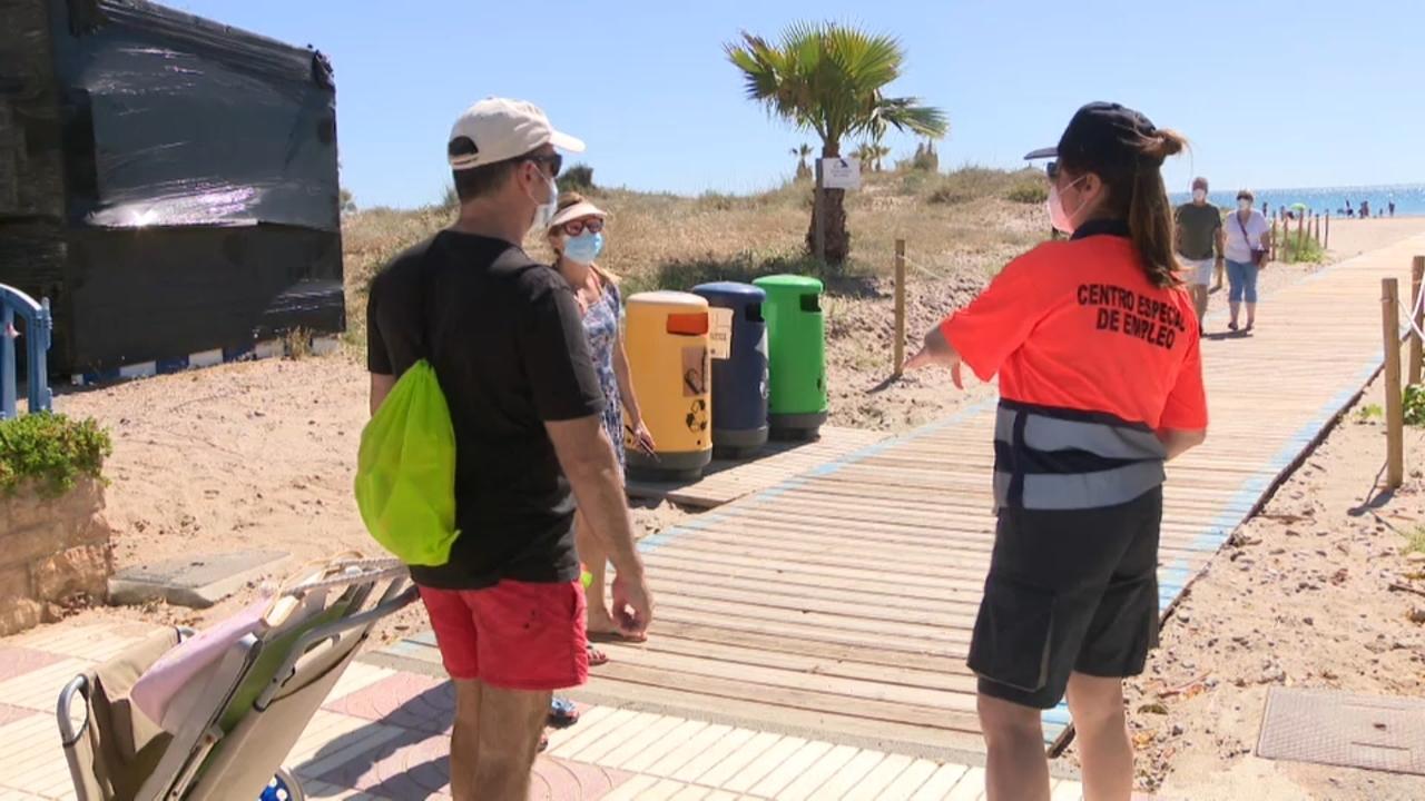 Controls d'accés a les platges de Canet d'En Berenguer