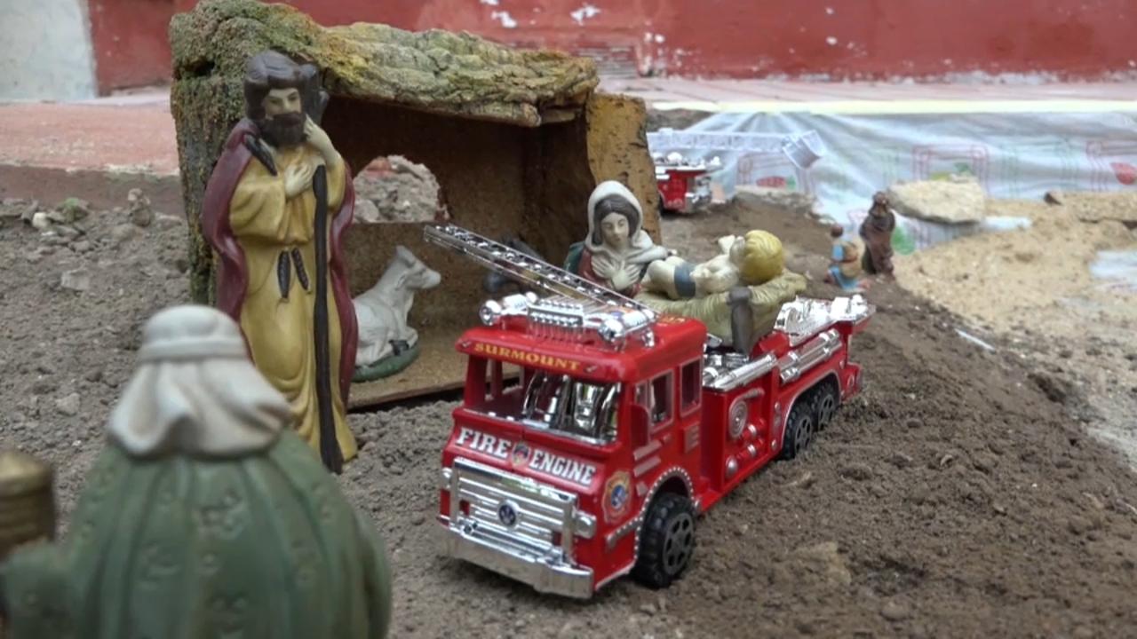 Inclou figures tradicionals i també cotxes de bombers i policia