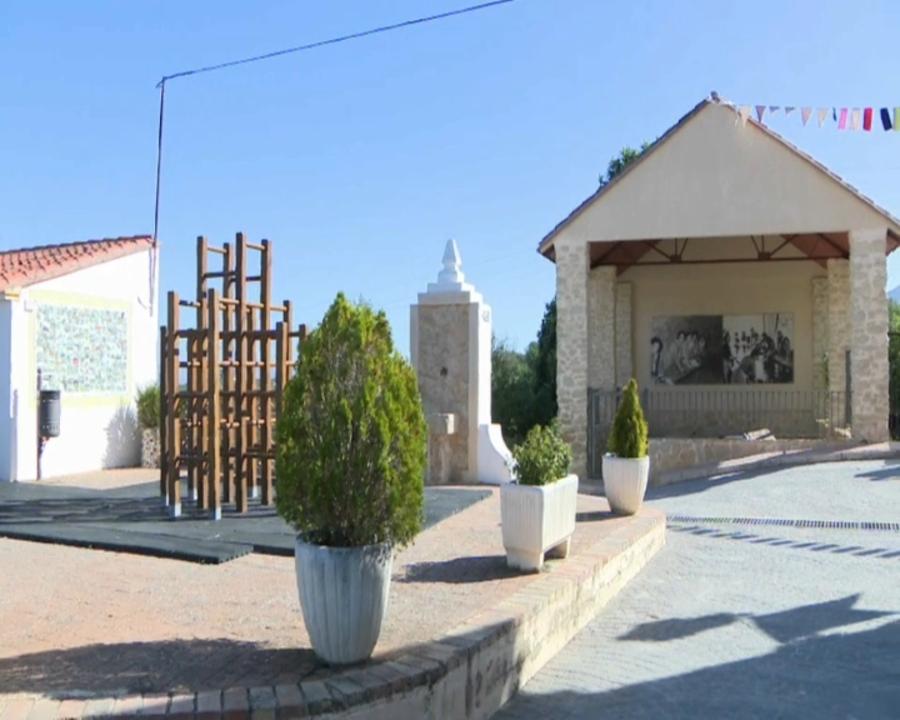 Plaça de Carrícola, a la Vall d'Albaida