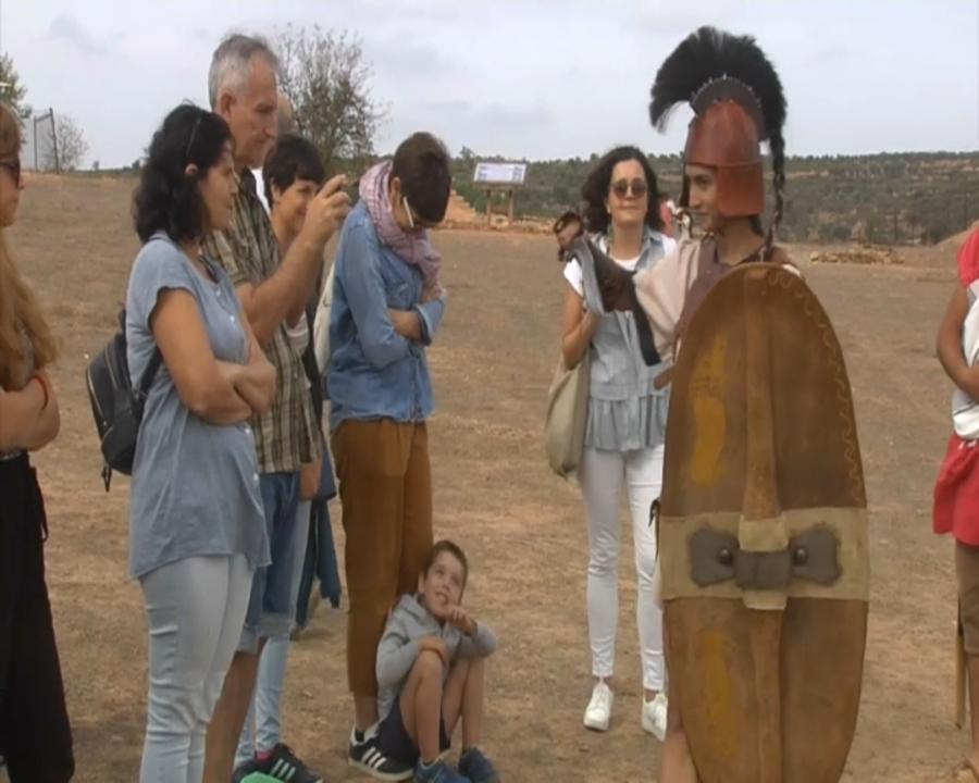 Recreació de la vestimenta dels ibers al jaciment arqueològic de Kelin