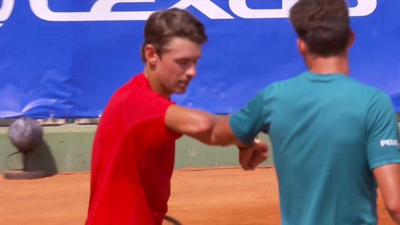 Els tenistes ja no es donen la mà en acabar els partits