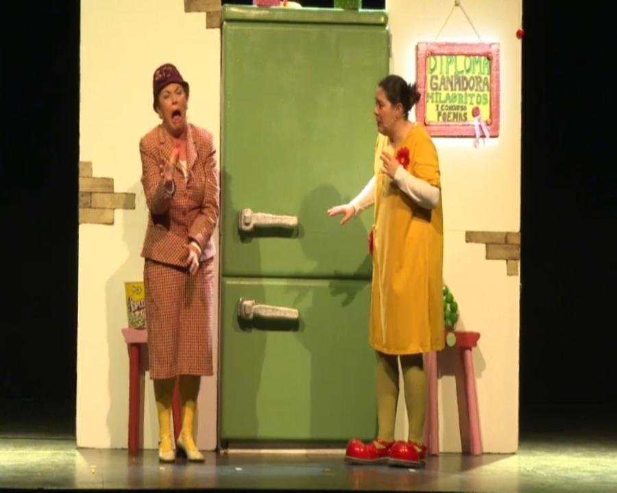 Escena de l'obra 'Esto es un poema', de la companyia de Logronyo Violeta y Péndula