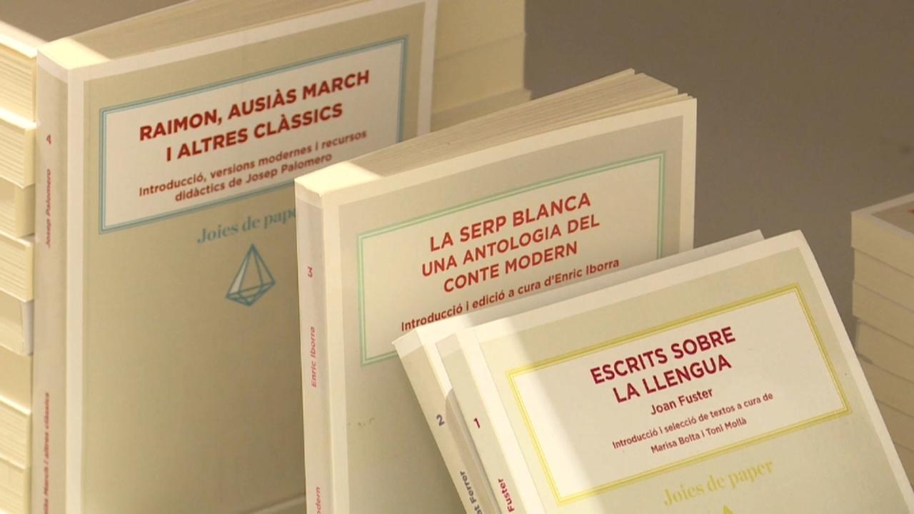 Editorials valencianes asseguren que ja han rebut propostes de novel·les i llibres infantils