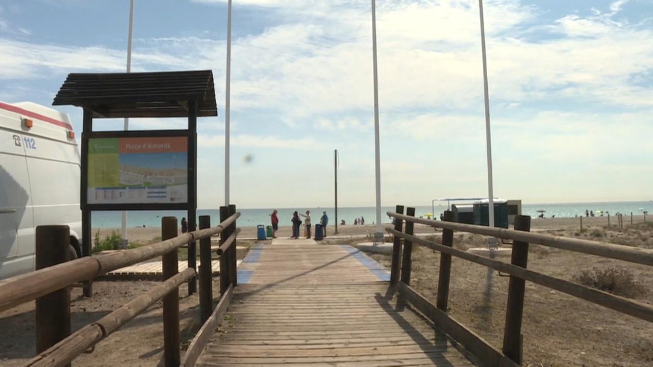 La platja de l'Almardá, una de les afectades per la recessió