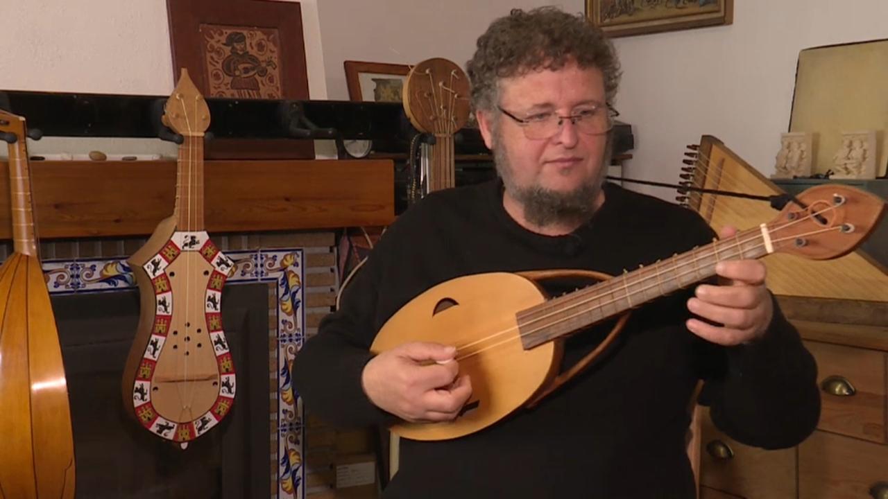 Jota Martínez, músic, professor i especialista en instruments medievals