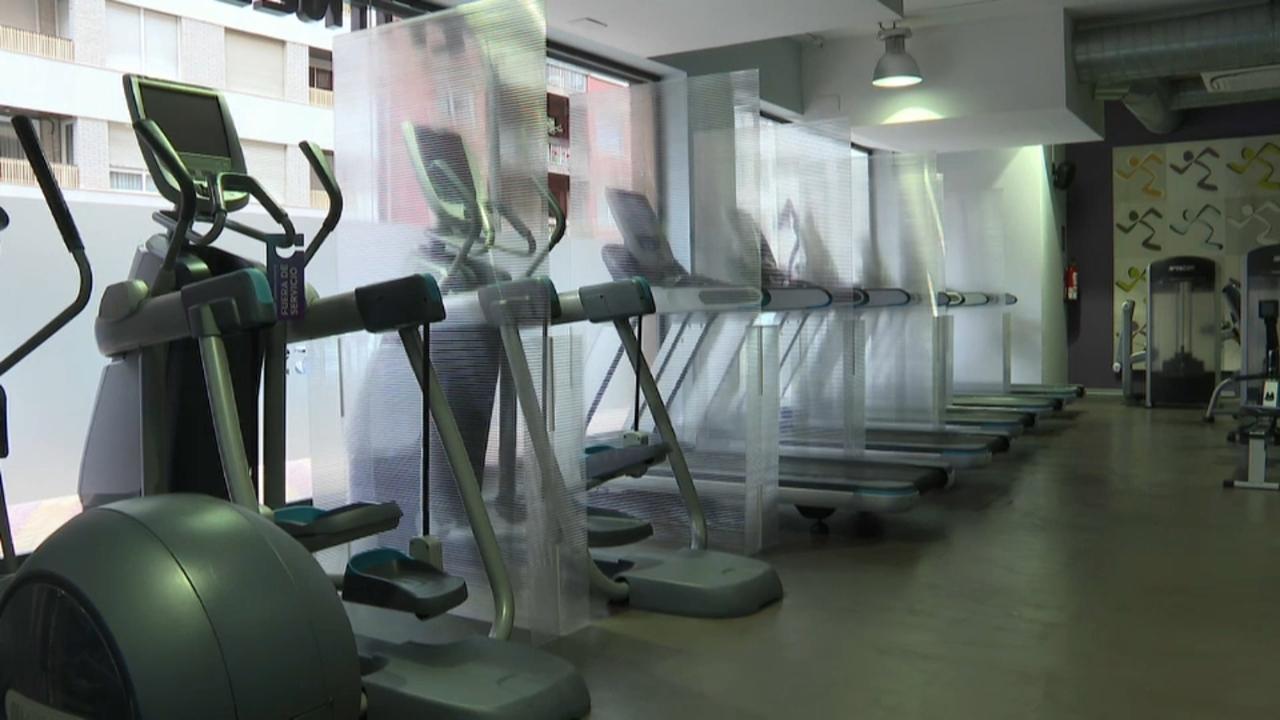 Els usuaris s'han d'exercitar de manera individual i mantenint una distància de seguretat de dos metres