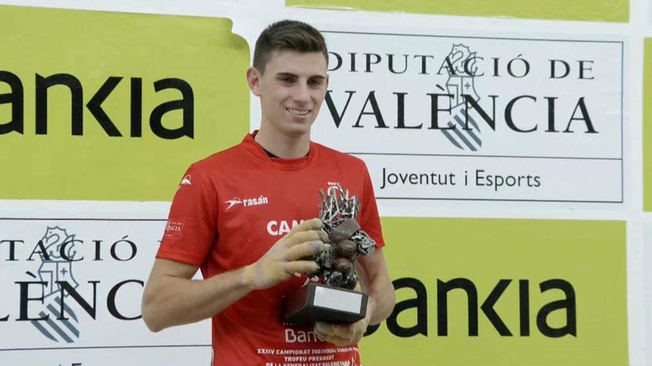 En la final ha derrotat Moltó, quatre vegades campió, amb presència de públic al trinquet de Bellreguard.