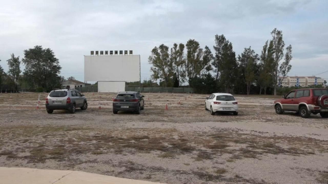L'autocine Drive in a Dénia és una opció segura de vore cine amb gran pantalla