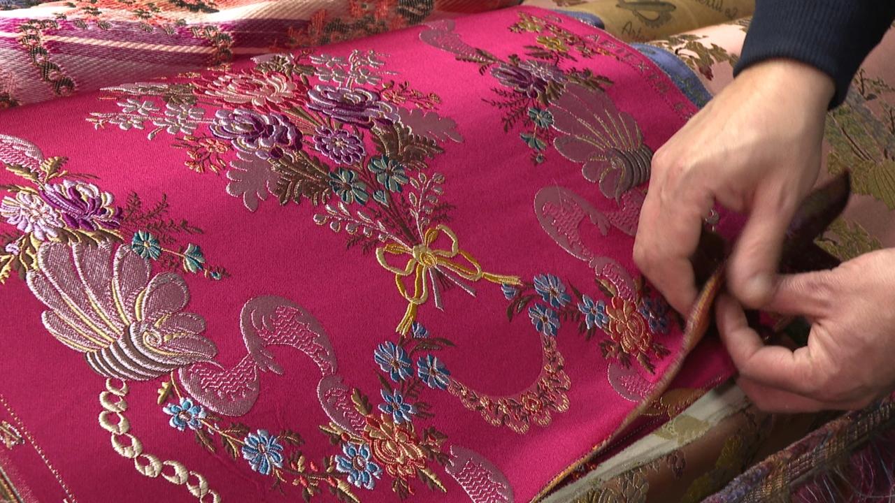 Crisi en els tallers de seda