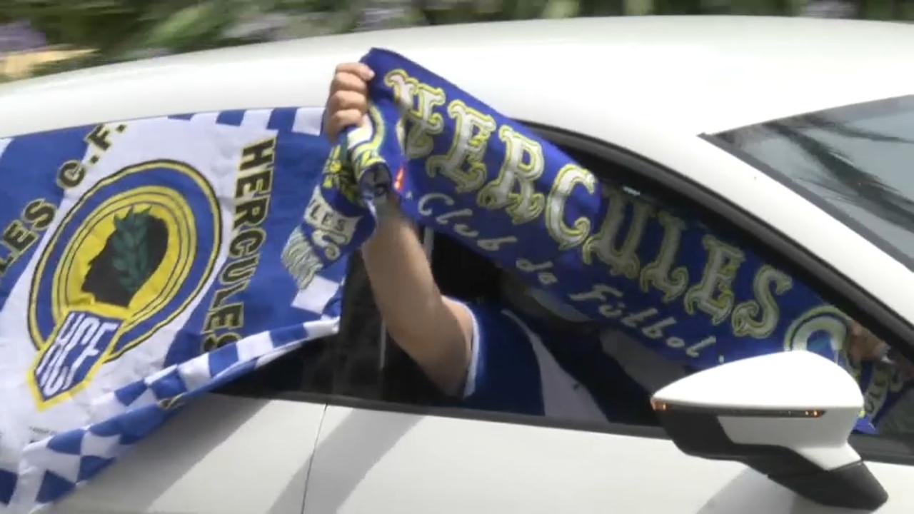 Aficionats herculans s'han unit en una marxa en cotxe per a denunciar la situació del club
