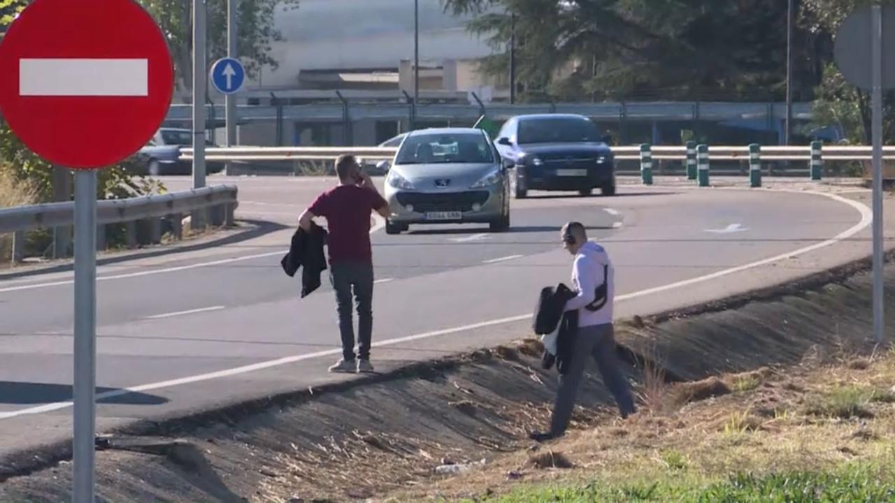 L'Ajuntament demana amb urgència una passarel·la que comunique amb l'aeroport