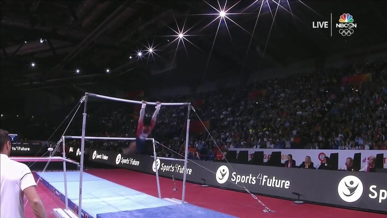 Simone Biles = Unbelievable On Uneven Bars At Worlds