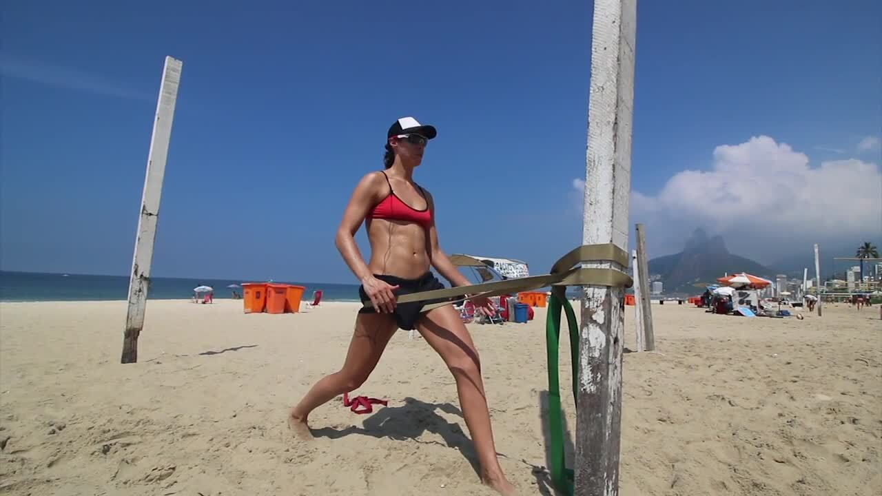 USAV Beach Tip Video - Hip Flexor Stretch