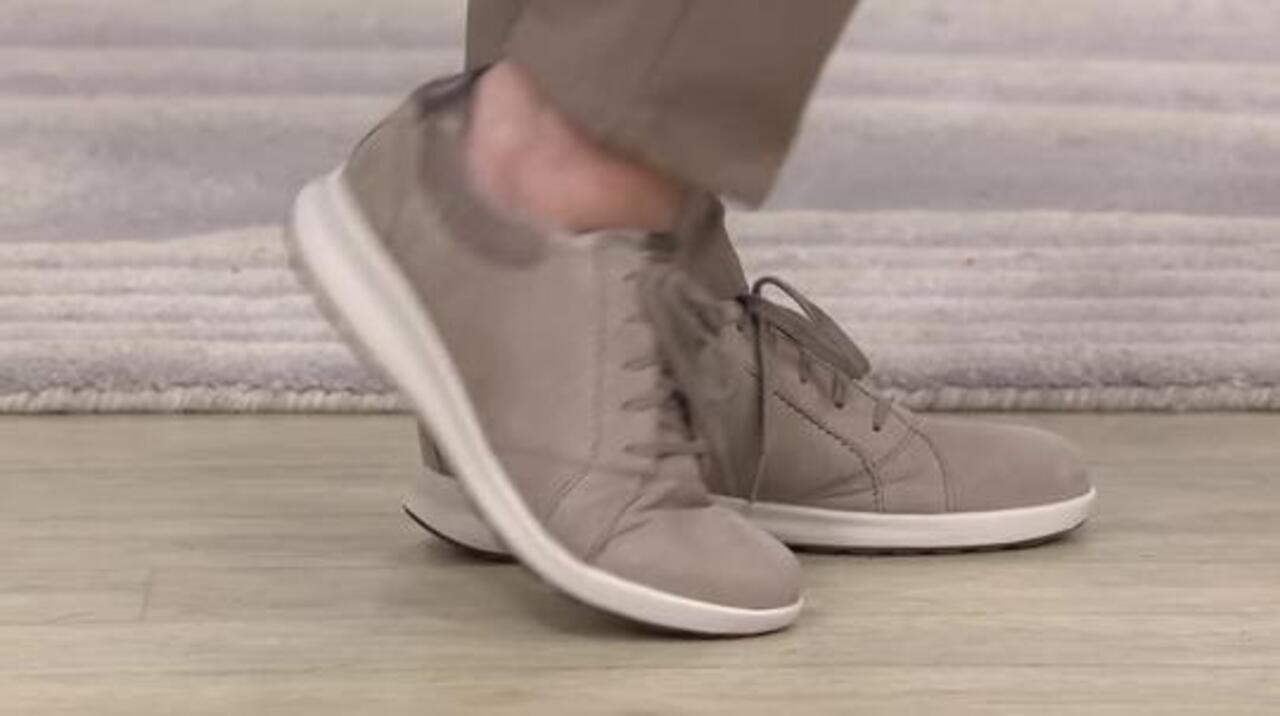 Comerciante En necesidad de hermosa  Clarks UnStructured Leather Lace-Up Sneakers - Un.Adorn Lace - QVC.com