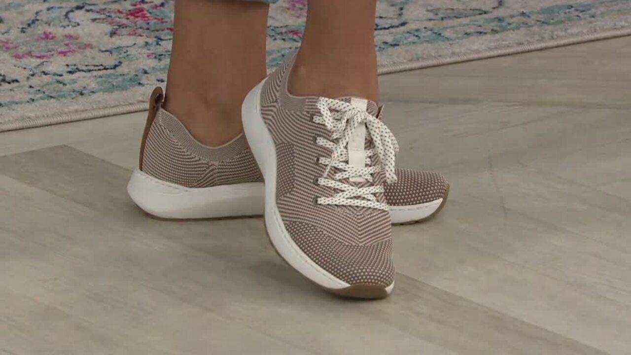 dr scholl's lace up shoes