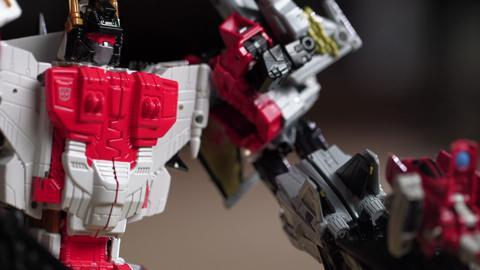 Designer Desk: Combiner Wars Superion