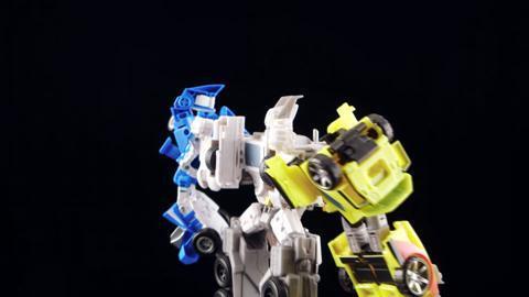 Designer Desk: Combiner Wars Optimus Maximus