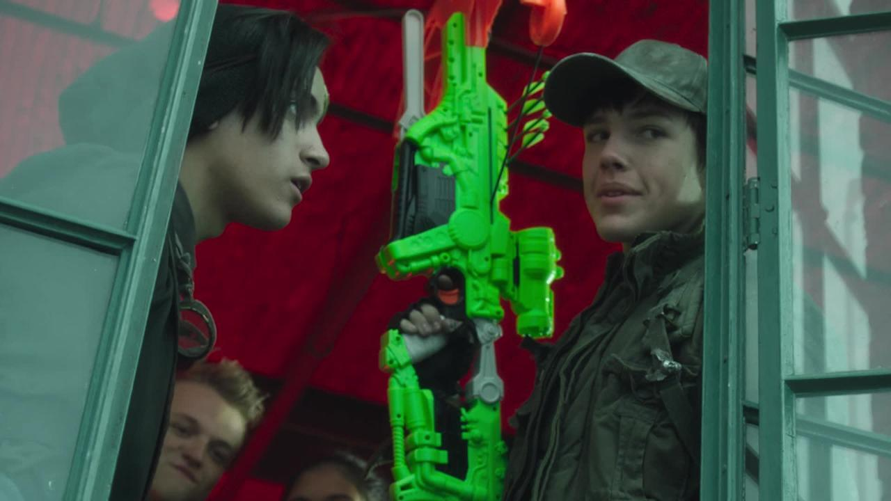 Nerf Zombie Strike: Dreadbolt Crossbow TV Commercial