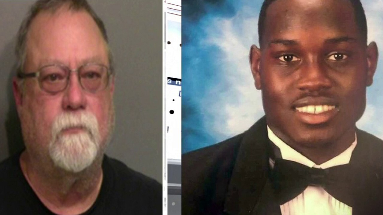 Text shows cop told GA homeowner he could contact Arbery murder suspect for help with trespassers