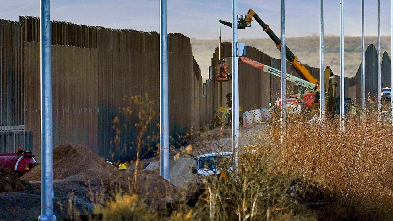 DHS considers filling 'gaps' in border wall: Report
