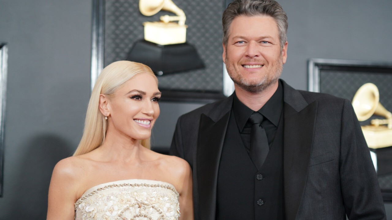 Gwen Stefani and Blake Shelton announce engagement
