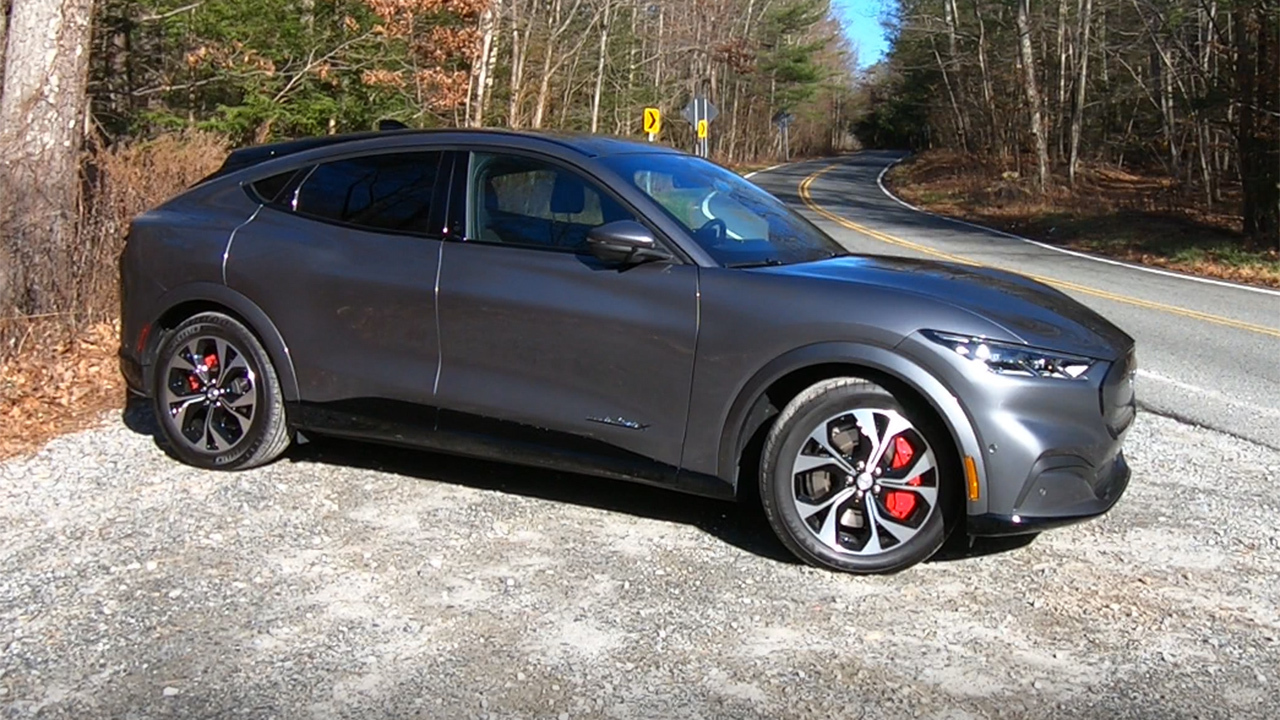 Fox News Autos test drive: 2021 Ford Mustang Mach-E