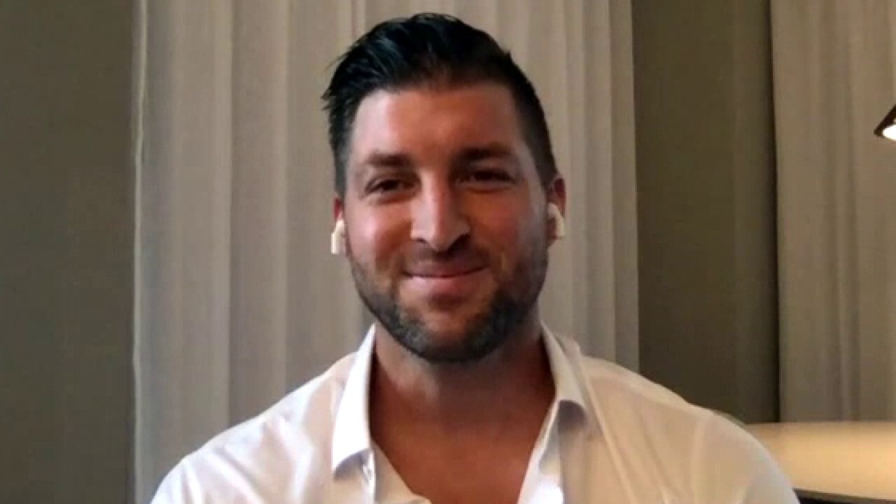 Tim Tebow previews college football National Championship game, talks NFL playoffs