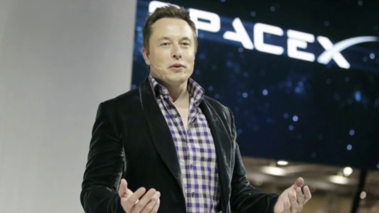 Inside billionaires Elon Musk and Jeff Bezos' race for space