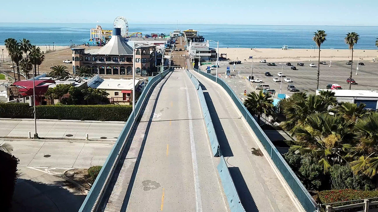Santa Monica Pier shut down amid coronavirus outbreak