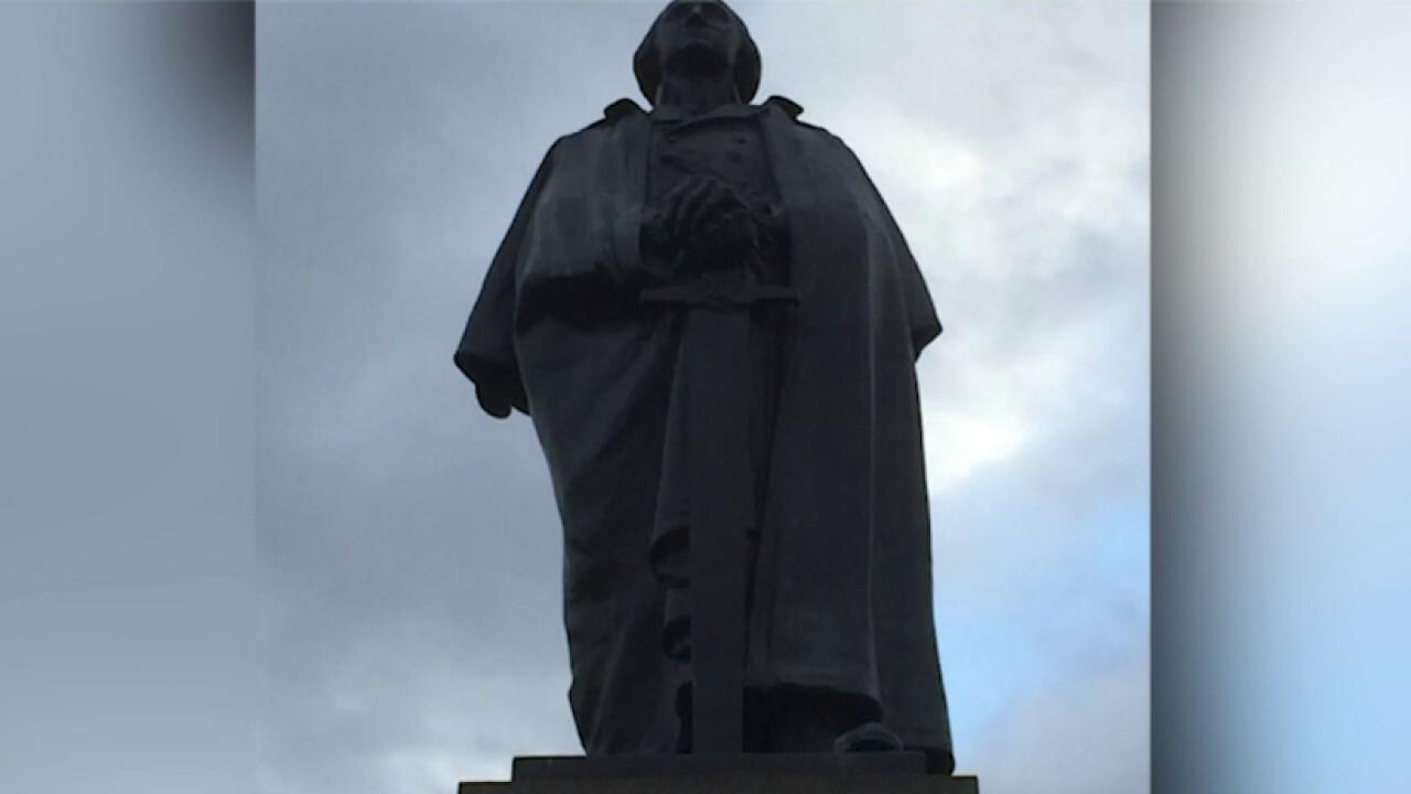 U. Washington students push for Washington statue to be removed