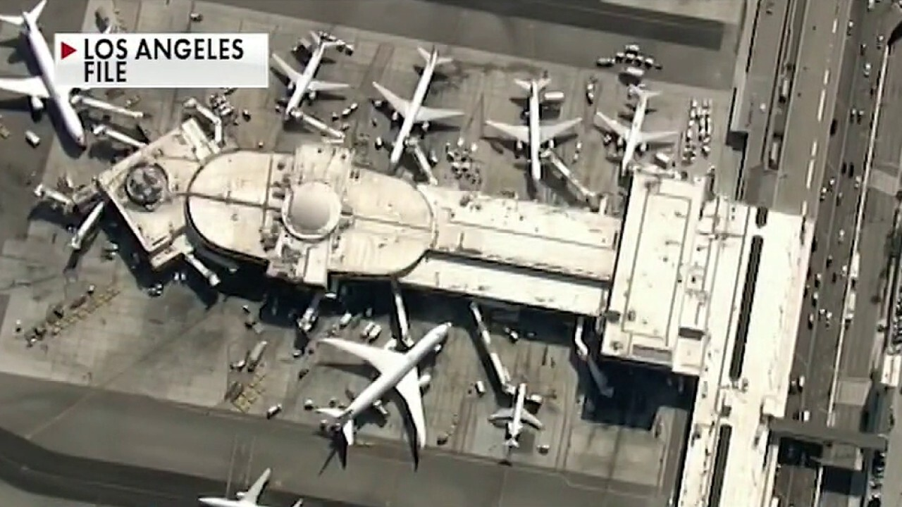 Pilots report seeing man in a jetpack near LAX